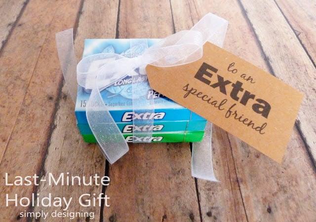 Extra Fun Holiday Gift Idea and Stocking Stuffer | #holiday #holidaygifts #freeprintable #christmas #diygifts #giveextragum #shop #sponsored #cbias