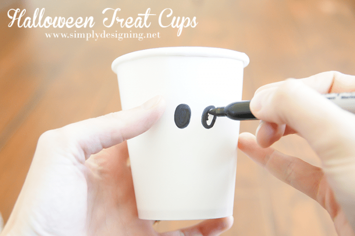 Candy Cups #halloween #fall #candy #crafts