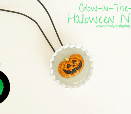 Glow In The Dark Necklace Halloween Craft | #halloween #halloweencraft #craft