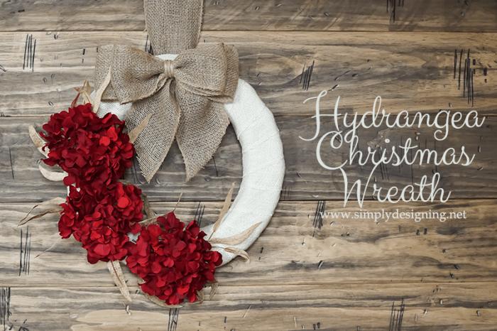 Hydrangea Christmas Wreath with Burlap | #wreath #crafts #burlap #christmas #holiday #hydrangea