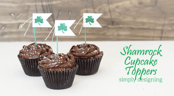 http://www.simplydesigning.net/wp-content/uploads/2015/03/Shamrock-Cupcake-Topper-and-Mini-Garland-featured-image-600x333.png