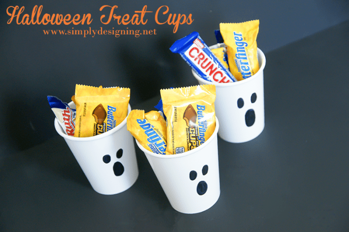 Ghost Halloween Treat Cups #halloween #fall #candy #crafts