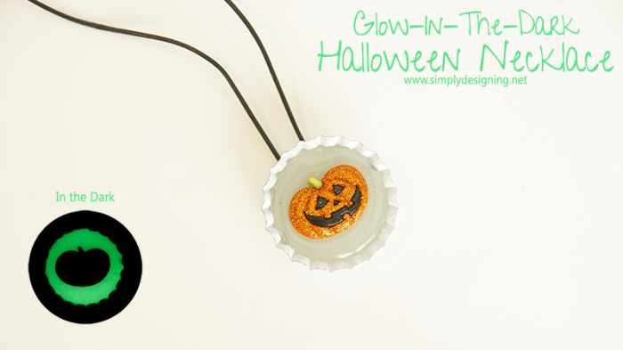 Glow In The Dark Halloween Necklace | #halloween #halloweencraft #craft