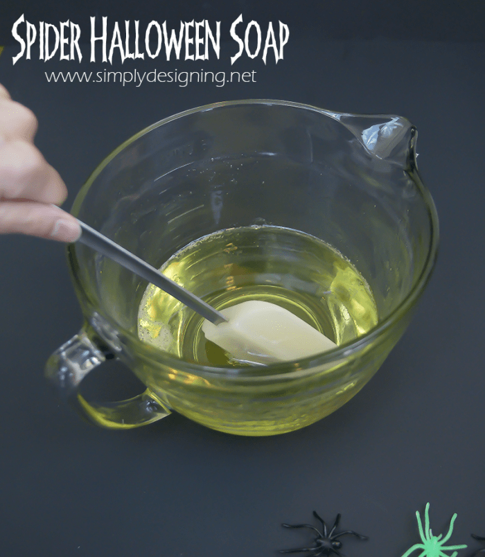 How to Make Soap | #halloween #crafts #soap #fall