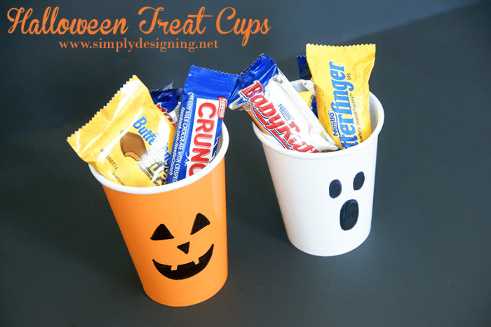 Treat Cups #halloween #fall #candy #crafts