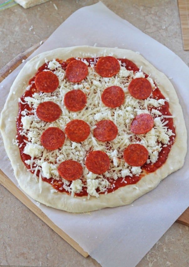 Easy-30-Minute-Homemade-Pizza-3-727x1024