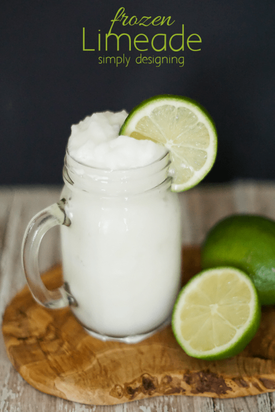 Frozen Limeade Recipe - this drink is incredibly delicious and the right amount of tart and tangy - the perfect summer frozen drink