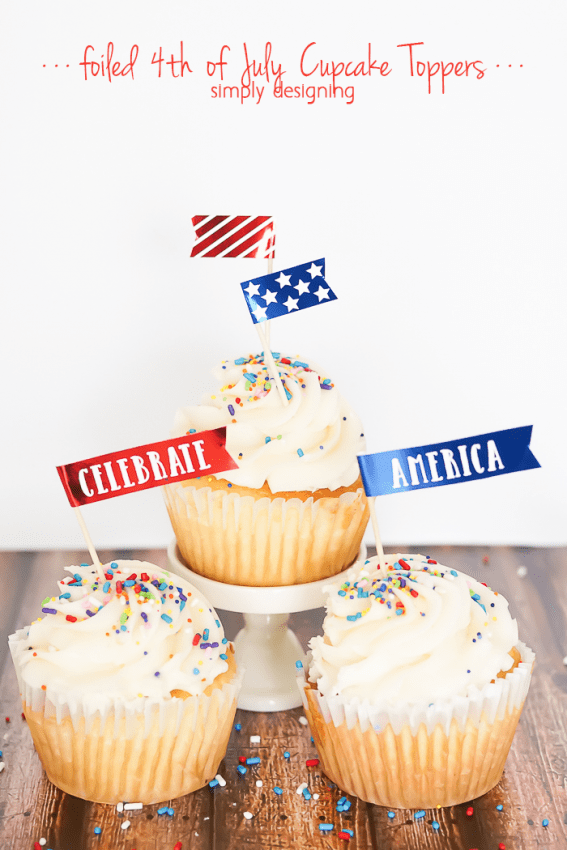 4th of July Cupcake Toppers - these free printable patriotic cupcake liners are so easy to foil and for any get together