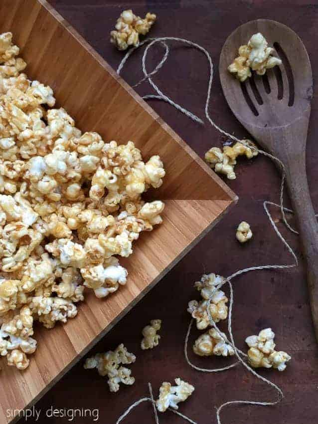 4-Ingredient easy Caramel Popcorn